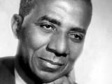 Il s'appelait Sylvanus Olympio. Et il a sans doute été tué par son successeur, le président Eyadéma, père de l'actuel chef d'Etat togolais, Faure Gnassingbé.